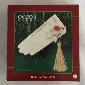 Carlton Cards Mother 1999 Heirloom Collection